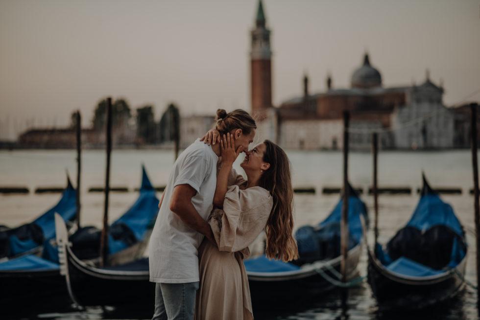 Destination Sunrise couple photoshoot in Venice
